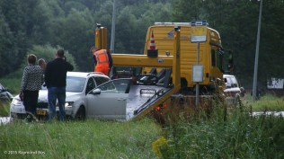 Auto in sloot-09791