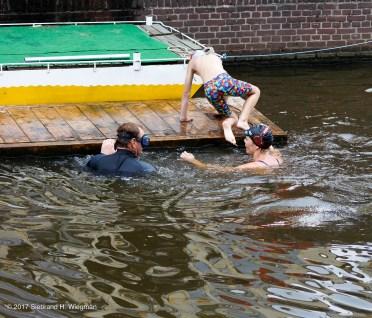 Swim Challenge 17-8281