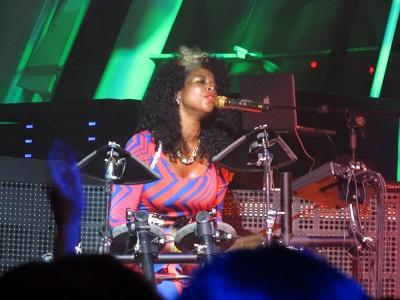 Kelis on drums