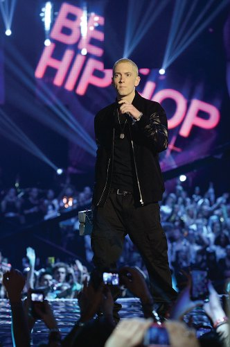 Eminem performing at MTVEMA 2013 (photo: MTV / Getty Images)