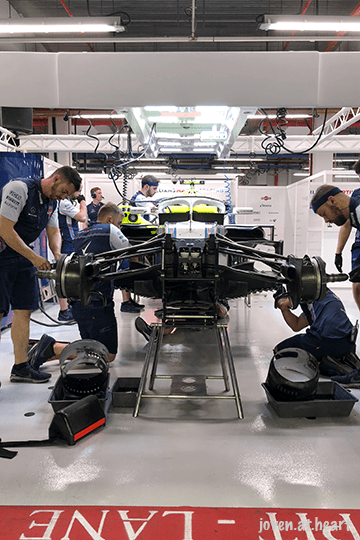 2018 Formula 1 Singapore Airlines Singapore Grand Prix (Saturday) - Williams Martini Racing Garage