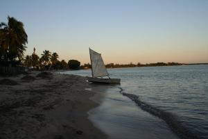 Bote Encallado en la Playa