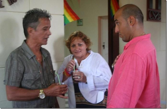 conversan_homosexuales_cubanos
