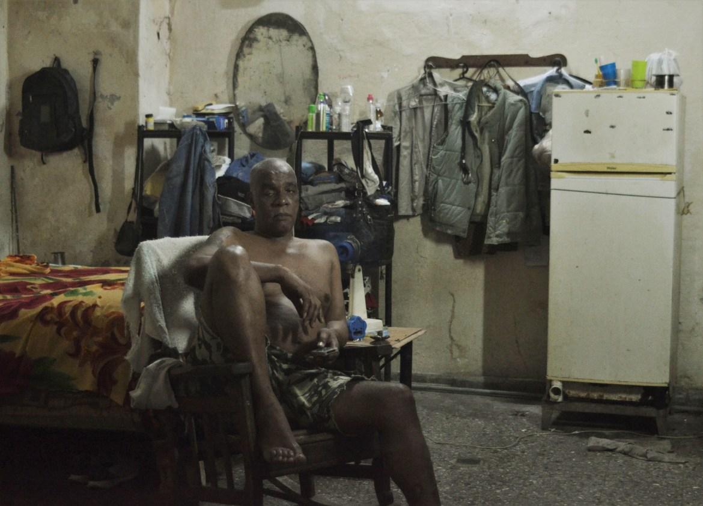 El pequeño cuarto sin baño donde viven José Alberto y su hijo desde hace cinco años, despúes de que se derrumbara su vivienda
