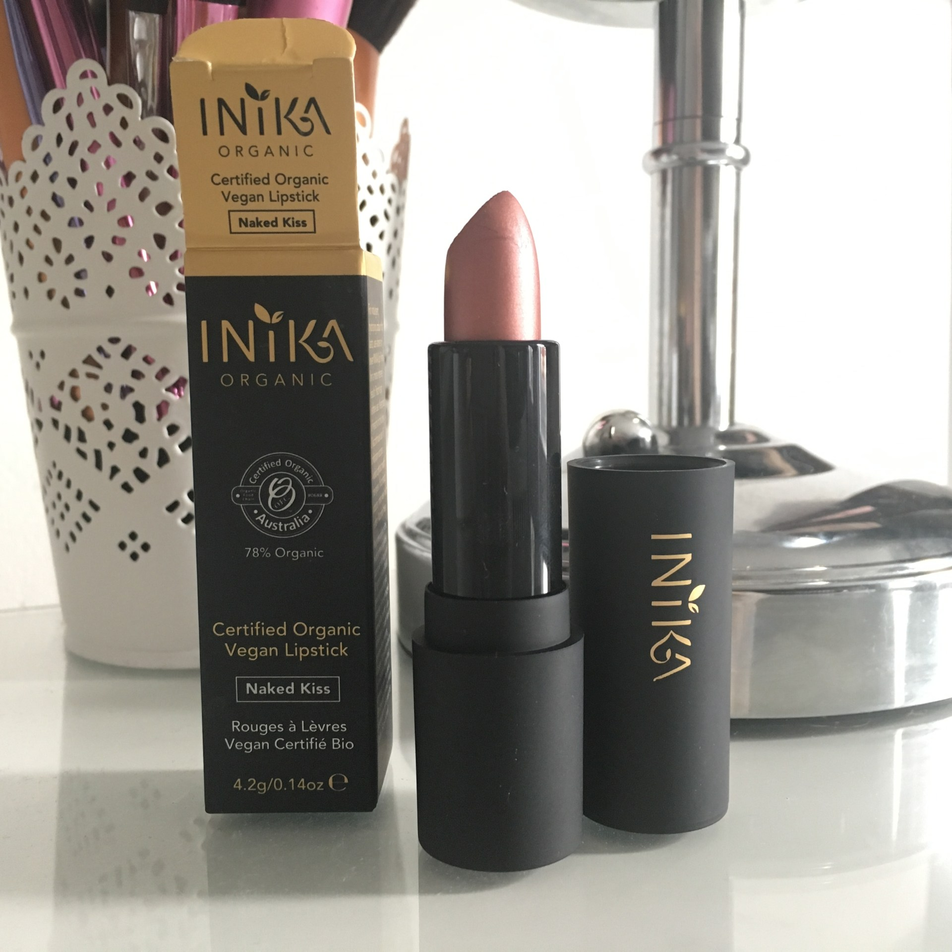 Inika Vegan Lipstick - Naked Kiss
