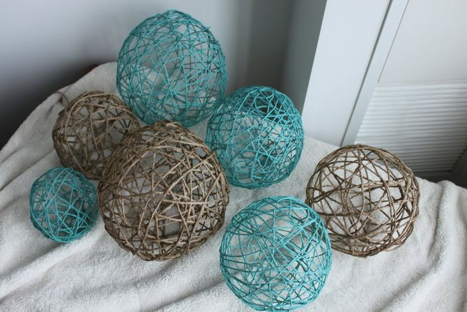Christmas decoration balls from threads