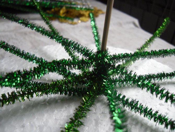 วิธีทำต้นคริสต์มาสขนาดใหญ่ด้วยมือของคุณเอง: ไอเดียและคลาสมาสเตอร์ 3