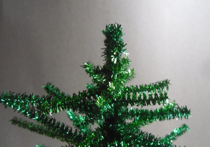 How to make a big Christmas tree with your own hands: ideas and master classes 6