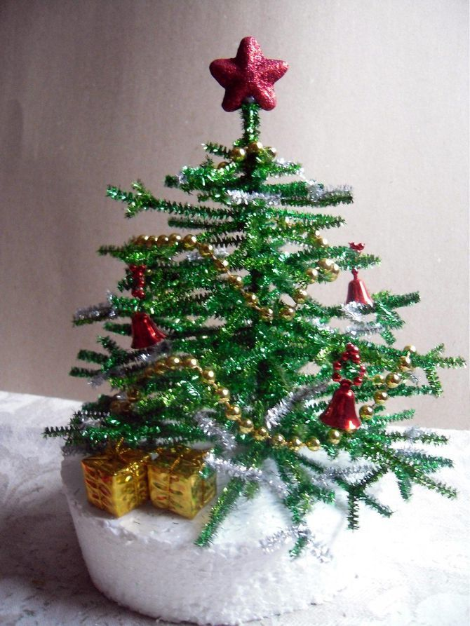 How to make a big Christmas tree with your own hands: ideas and master classes 9