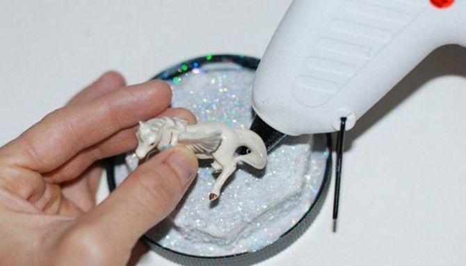 Өзіңіздің қолыңызбен қарлығаш: Жаңа жылдық ғажайыпты қалай жасауға болады