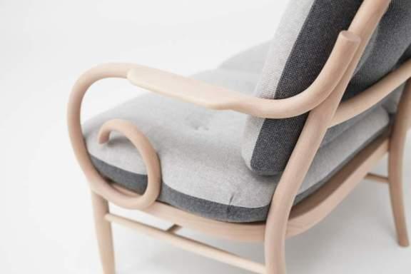Mobilier bois design AKIMOKU par Edition Blue x NENDO