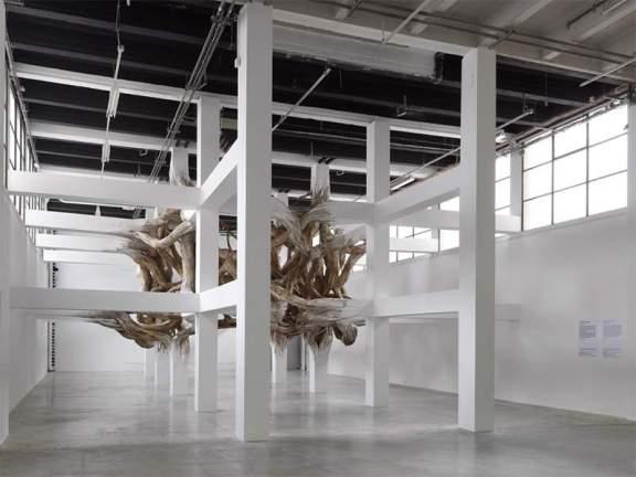 Exposition Henrique Oliveira BAITOGOGO au Palais de Tokyo