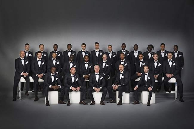 Photo officielle Equipe de France en tenue officiel FRANCESO SMALTO