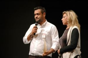 Ceremonia de entrega de premios - Permio AJA 2015 - D. Carlos Pereira Calviño con Da. Liane Katsuki