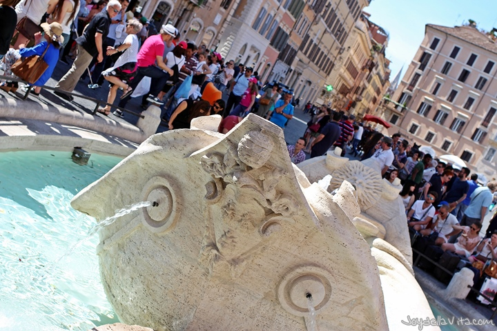 Fontana della Barcaccia (Fountain of the ugly Boat)