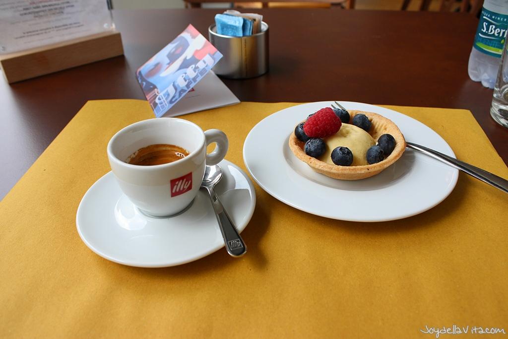 Espresso and Frolla con crema pasticcera alla vaniglia del Madagascar at illy Cafe Milano