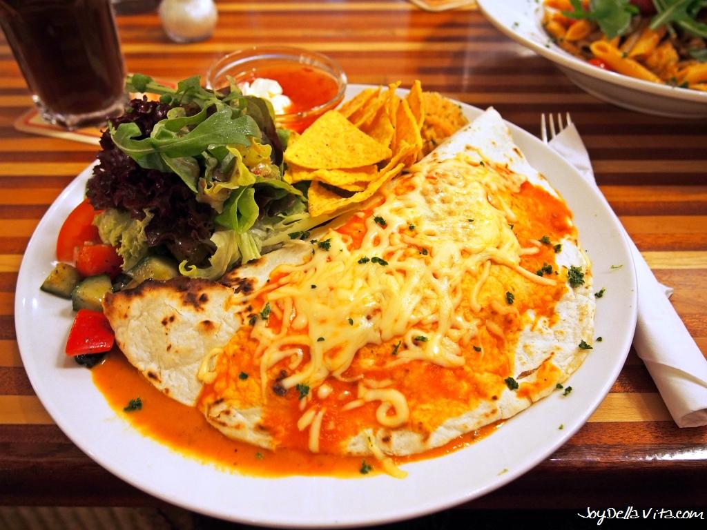 Cafe Colours Ravensburg Burrito Verduras