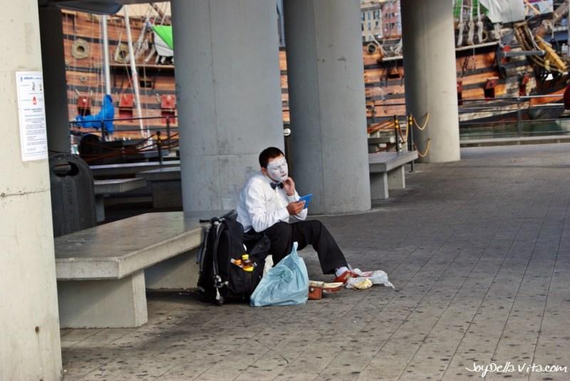 Street-Artist in Genoa