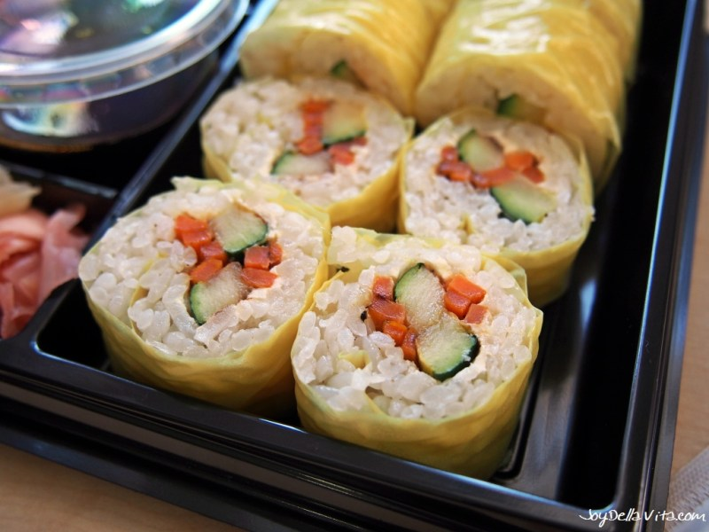 No Sushi with fried zucchini, fried carrot sticks and cream cheese soybean leaf Kreative Reisrollen Tettnang