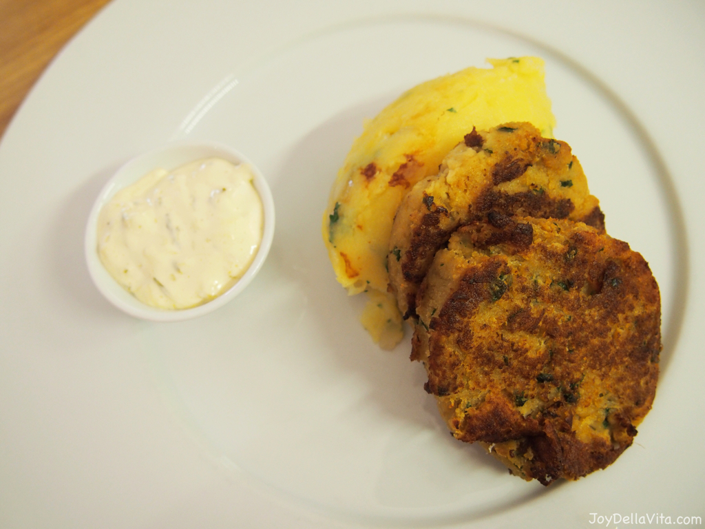 Cauliflower pancakes Restaurace Mincovna Prague