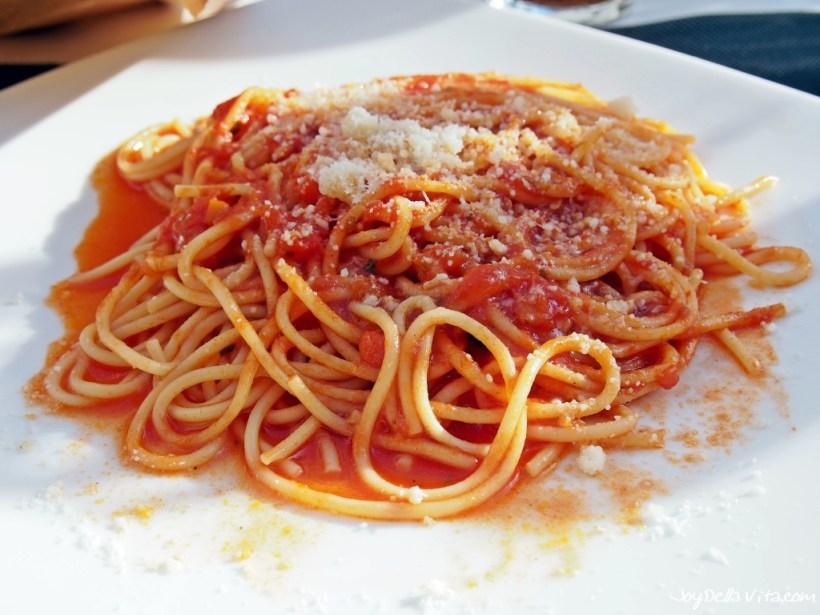 Spaghetti with Tomato Sauce at Bar Flora Di Mariani Paola in Bergamo
