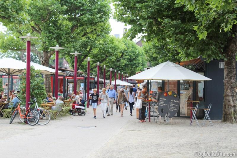 Museumplein Amsterdam (Museum Square and i amsterdam sign) Travelblog JoyDellaVita