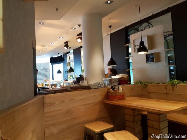 BagYard Berlin BIKINI Interior, kitchen area is on the left
