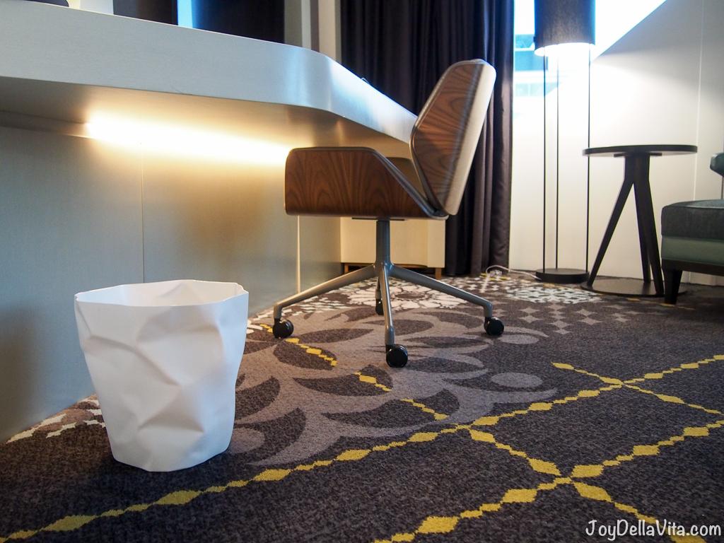 nice Dutch Design elements at Hilton Amsterdam Schipol Airport Hotel
