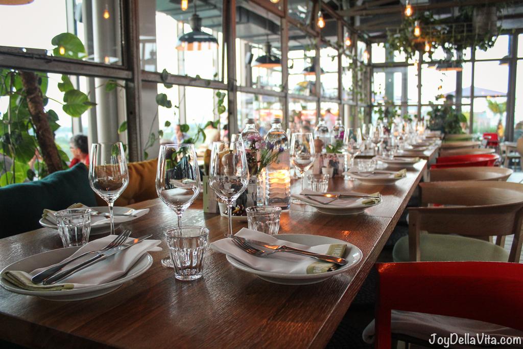 Balangan Dinner NENI 25hours Berlin Falafel Hummus Pavlova JoyDellaVita