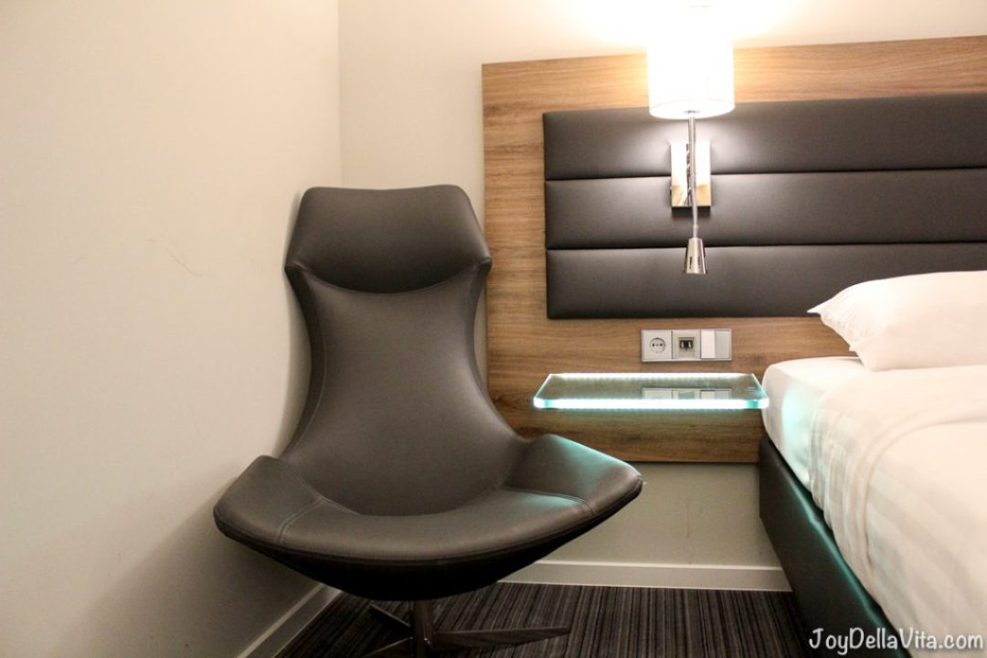 Moxy Munich Airport Hotel Joy Della Vita