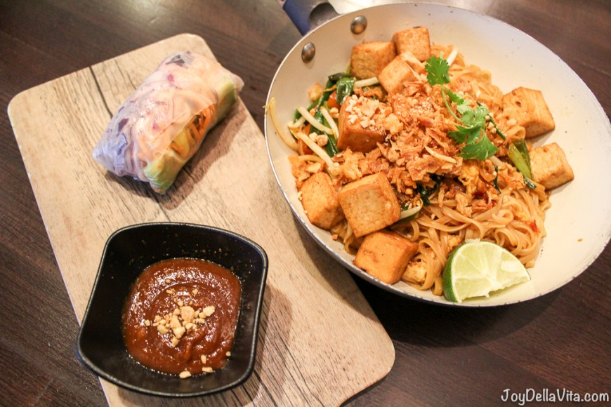 Pad Thai and Summer Roll with Peanut Dip