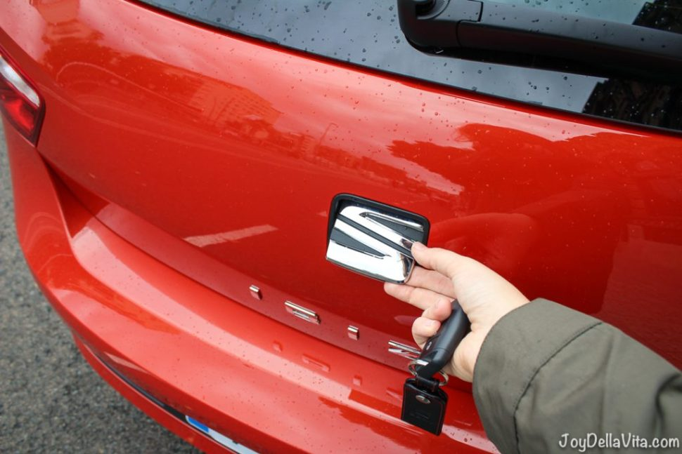 How to open the Trunk of a SEAT Ibiza