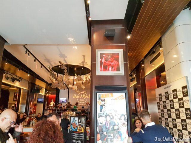 Veggie Cauliflower Burger Hard Rock Cafe Barcelona Travelblog JoyDellaVita