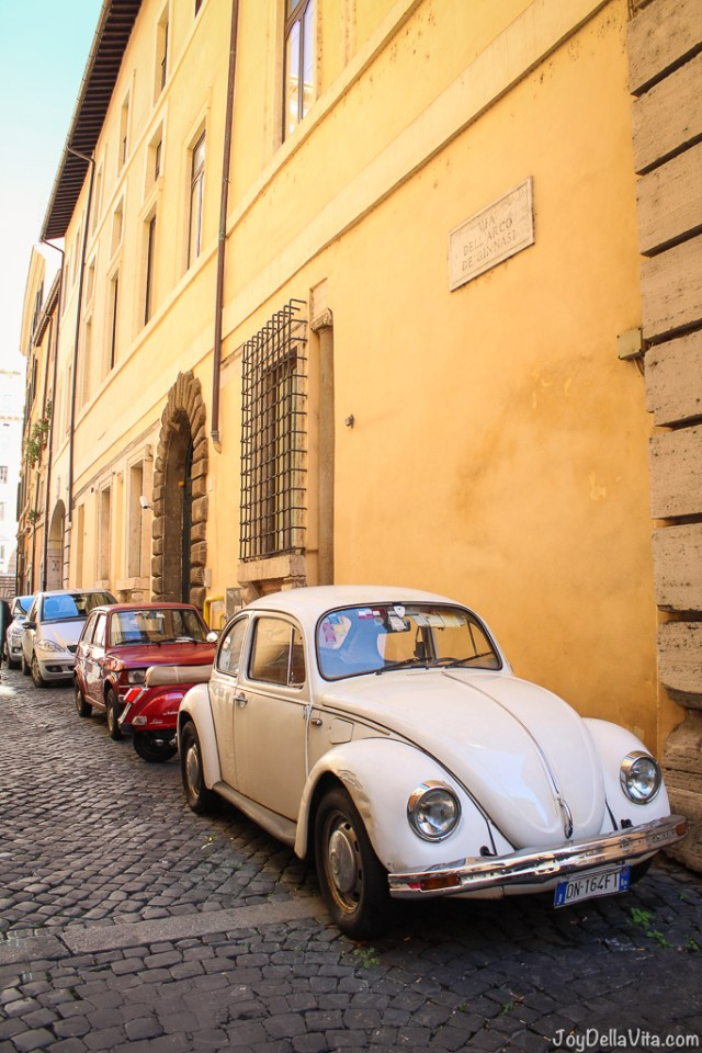 vintage Volkswagen Käfer Vespa small Cars Rome joyDellaVita