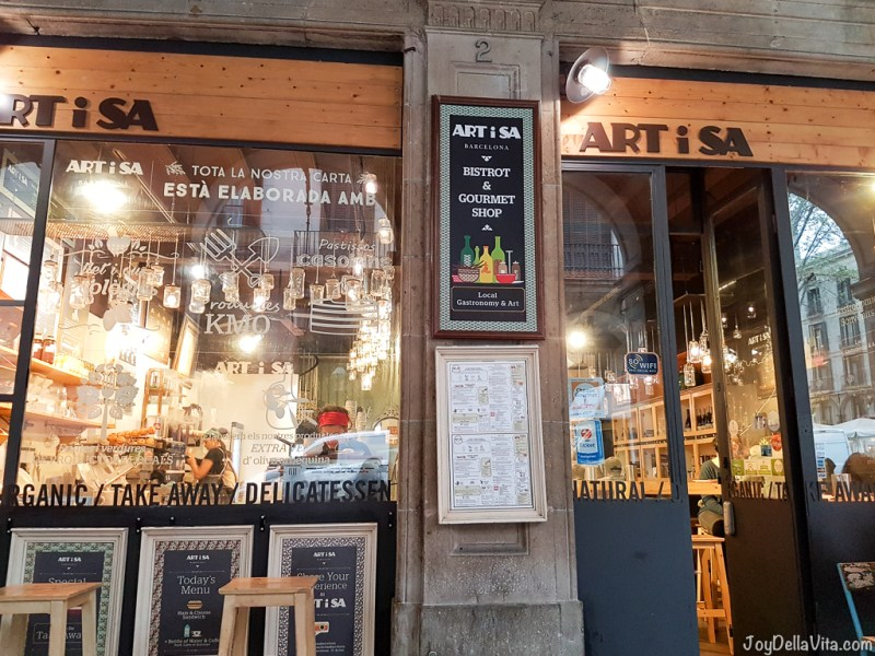 ARTiSA near Plaza Real de Barcelona