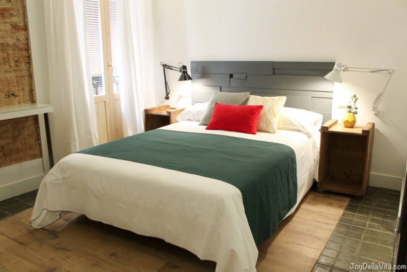 Comfort Double Room with Balcony and City View Hotel Boutique 1847 Barcelona Gothic Quarter JoyDellaVita