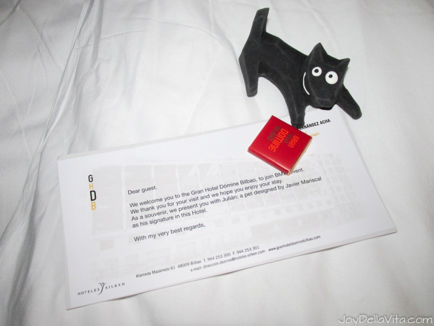 welcome letter and gift from Silken Gran Hotel Domine Bilbao