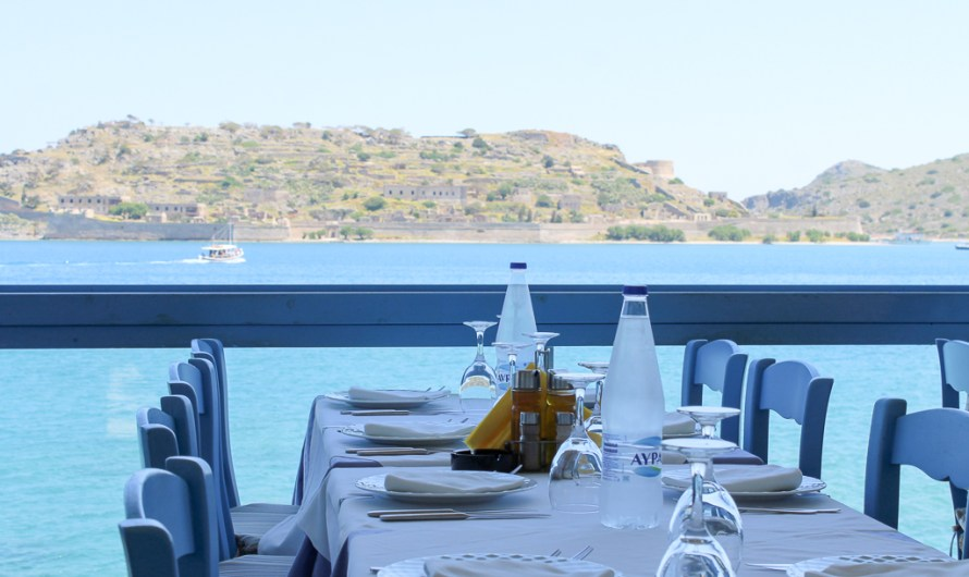 Lunch at Giorgos Tavern (Giovanni's) in Plaka, Crete, by the water