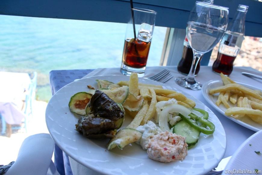 Vegetarian Options at Restaurant Giorgos Tavern Plaka Crete -  Travelblog JoyDellaVita.com