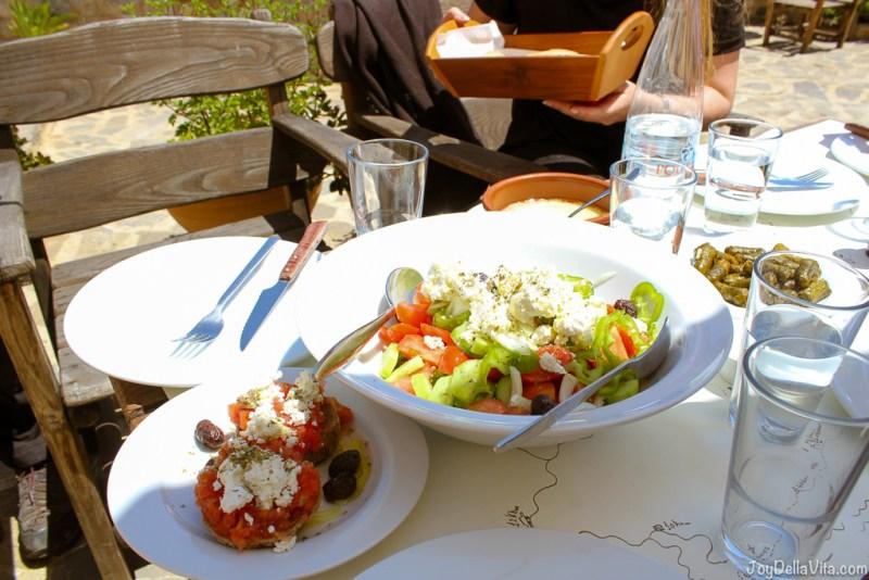 Restaurant Thalori Traditional Village Kapetaniana Crete - Travelblog JoyDellaVita.com