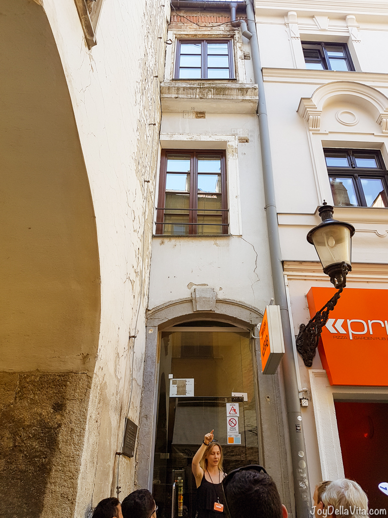 the Narrowest House in Europe, in Bratislava, just 1.3 m wide -- Castle Old Town Tour by Bratislava Free Tour -  JoyDellaVita.com