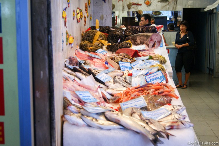 Tips on how to successfully haggle at a market in Italy