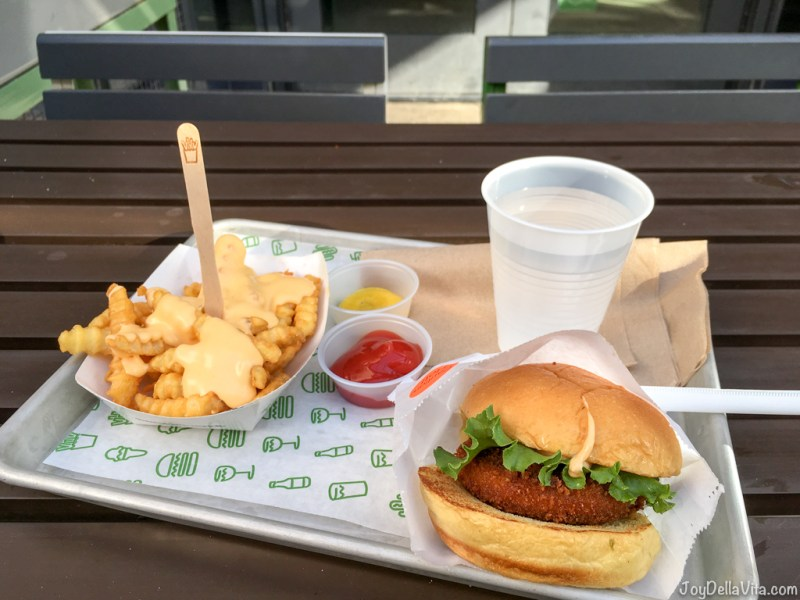 Shroom Burger and Cheese Fries Shake Shack Hollywood Los Angeles Travelblog Joy Della Vita
