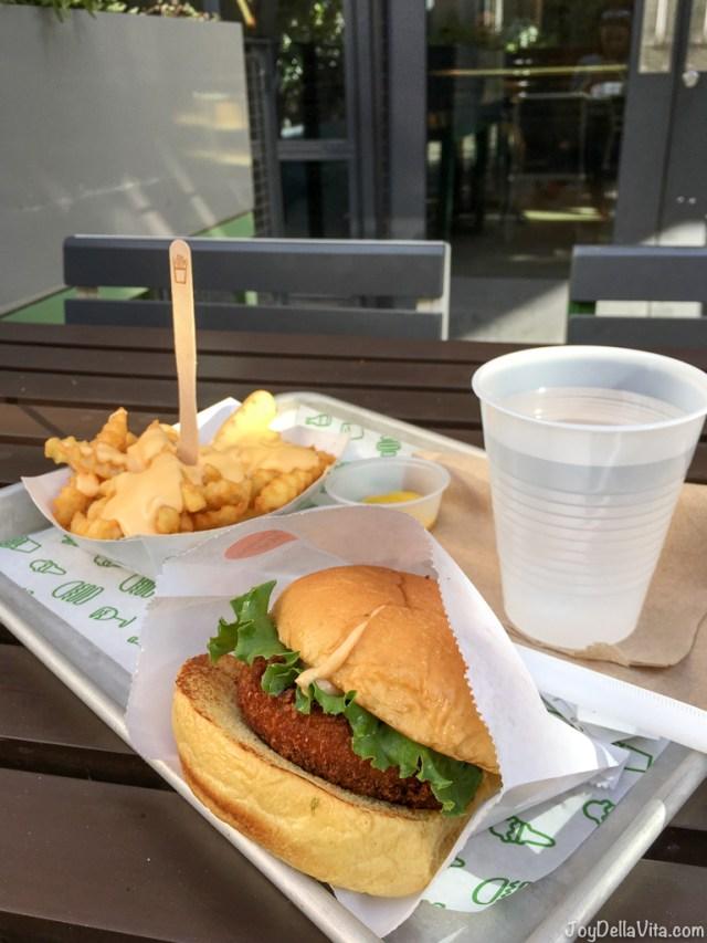 Shroom Burger and Cheese Fries Shake Shack Hollywood Los Angeles Travelblog Joy Della Vita