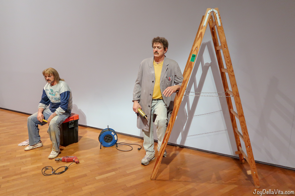 Two workers 1993 © Duane Hanson/VAGA. Licensed by Viscopy, 2017. Stiftung Haus der Geschichte der Bundesrepublik Deutschland HYPER REAL National Gallery of Australia Canberra