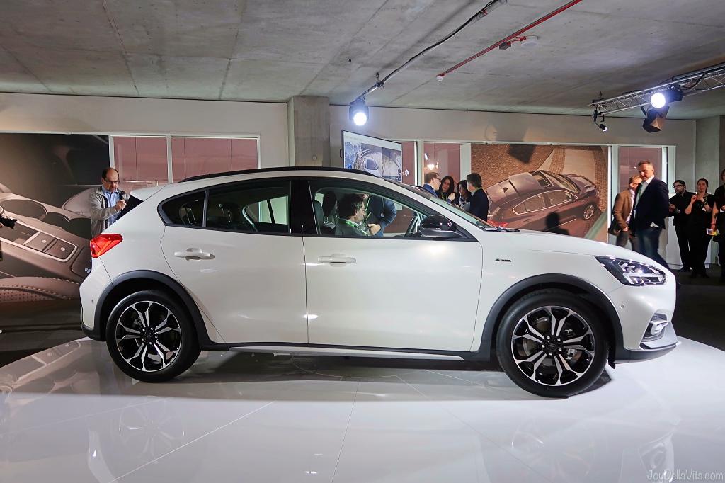 Ford focus 2018 white interior