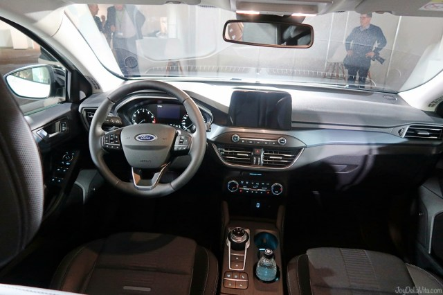 Ford Focus Active interior