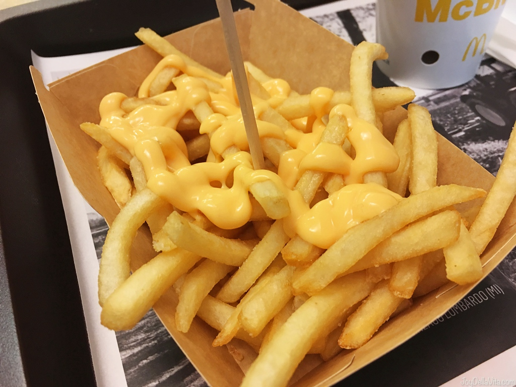 McDonalds Italy Le Riche Cheddar Fries with cheese sauce