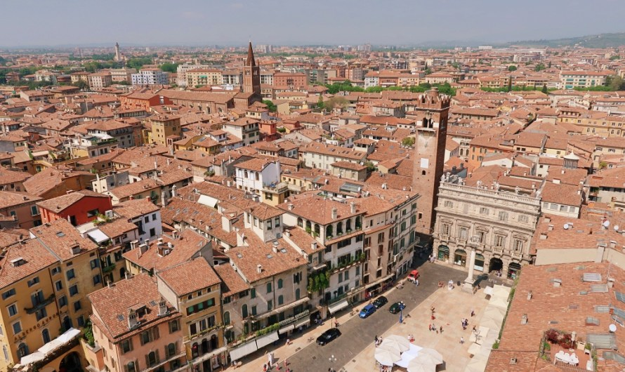 How to see Verona from above – Torre dei Lamberti (free with Verona Card)