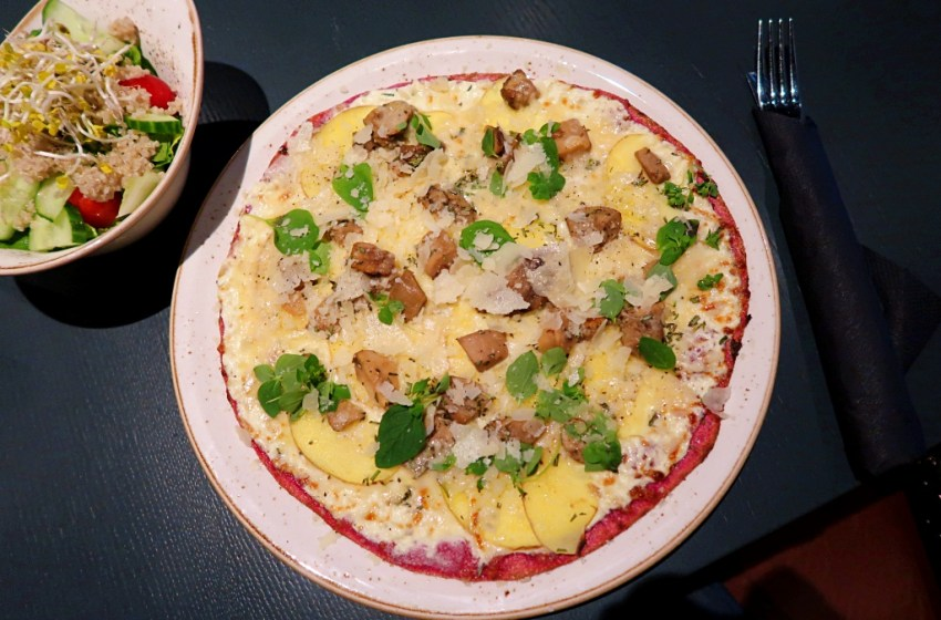 Pink Pizza in Hamburg – Rock Our Kitchen (ROK) Restaurant in Hamburg City